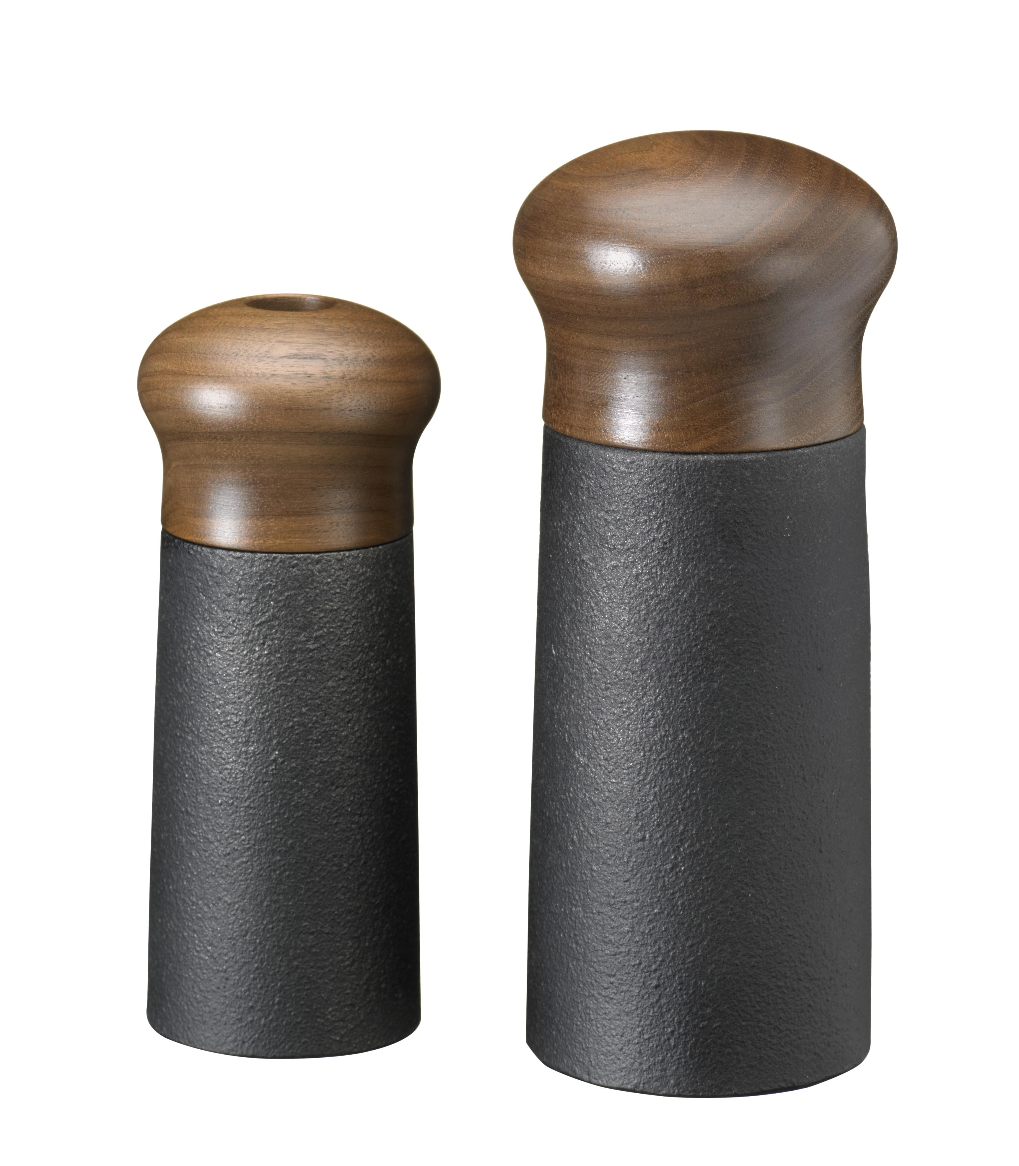 kochspass24 salzstreuer und pfefferm hle aus gusseisen von skeppshult. Black Bedroom Furniture Sets. Home Design Ideas